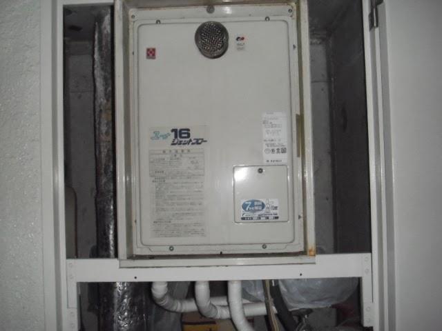 兵庫県 明石市 マンション 16号 リンナイ ガス給湯器 高温水供給方式 前方排気 PS扉内設置型 取替交換工事 施工