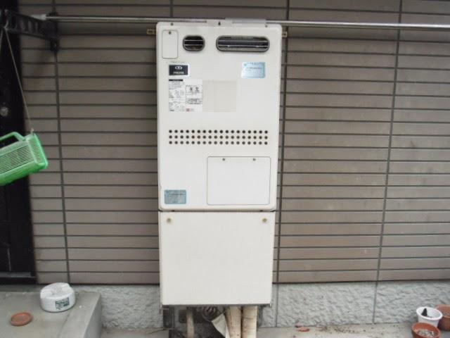 兵庫県 神戸市 北区 戸建て住宅 ノーリツ ガス温水暖房付き風呂給湯器 セミオートタイプ 屋外設置型 取替交換工事施工