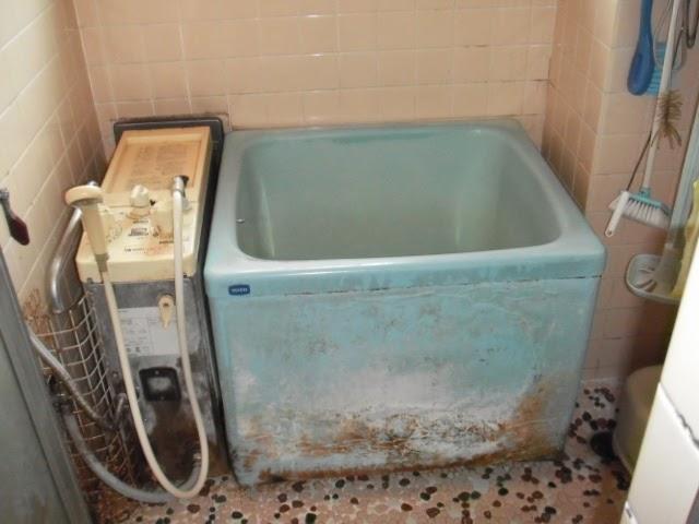 兵庫県 西宮市 マンション ハウステック カベピタ パックイン 16号 フルオート 1100サイズ 浅形浴槽 取替交換工事施工