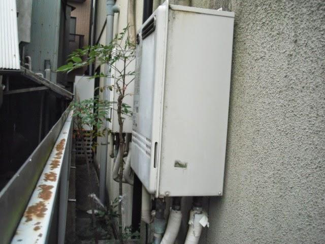 兵庫県 尼崎市 戸建て住宅 パロマ 24号 ガス追いだき付き給湯器 屋外壁掛け型 取替交換工事施工