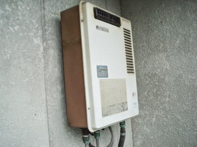 大阪府 吹田市 マンション ノーリツ 16号 ガス給湯器 屋外壁掛け型 取替交換工事 施工