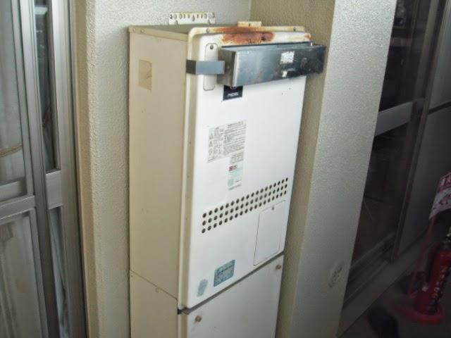 兵庫県 西宮市 マンション ノーリツ 24号 エコジョーズ ガス追いだき付き給湯器 屋外壁掛け型 取替交換工事 施工