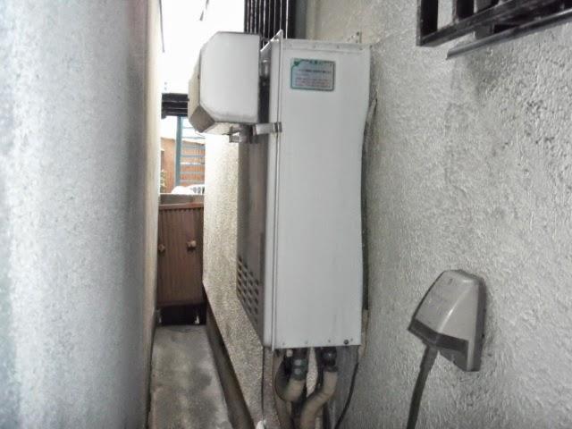 兵庫県 尼崎市 戸建て住宅 ノーリツ 24号 ガス風呂給湯器 セミオート 屋外壁掛け型 取付交換工事 施工