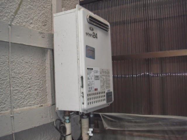 兵庫県 伊丹市 戸建て住宅 ノーリツ 24号 ガス給湯器 エコジョーズ 屋外壁掛け型 取替交換工事 施工