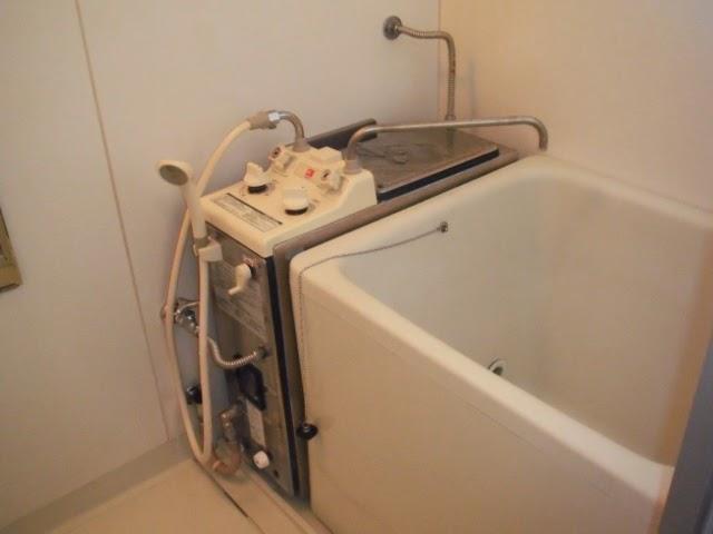 兵庫県 尼崎市 ハイツ ノーリツ 8.2号 シャワー付きバランス釜 取替交換工事 施工