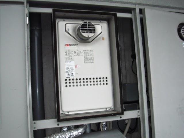 兵庫県 神戸市 東灘区 マンション ノーリツ 24号 ガス給湯器 高温水供給方式 PS扉内設置型 前方排気 取替交換工事 施工