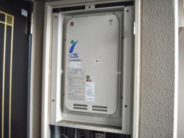 兵庫県 神戸市 西区 マンション ノーリツ 16号 ガス給湯器 高温水供給方式 PS扉内設置 後方排気型 取替交換工事施工
