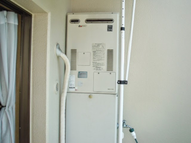 兵庫県 西宮市 マンション ノーリツ 24号 ガス給湯器 高温水供給方式 屋外壁掛け型 取替交換工事 施工