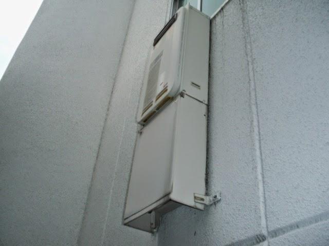 兵庫県 伊丹市 マンション リンナイ 16号 ガス給湯器 高温水供給方式 屋外壁掛け型 取替交換工事施工