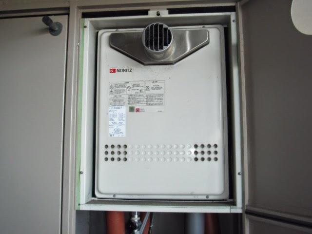 兵庫県 神戸市 東灘区 マンション ノーリツ 16号 ガスふろ給湯器 PS扉内設置 前方排気型 取替交換工事 施工
