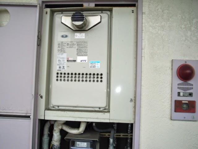 大阪府 堺市 西区 マンション ノーリツ ガス給湯器 PS扉内設置型 前方排気 取替交換工事 施工