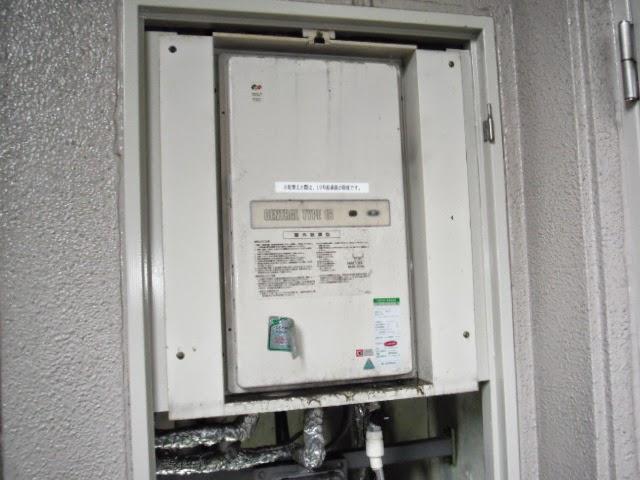 兵庫県 伊丹市 マンション ノーリツ ガス給湯器 PS扉内設置 後方排気 取替交換工事 施工