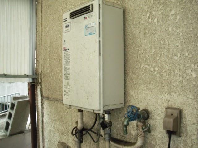 兵庫県 西宮市 戸建て住宅 ノーリツ 16号 ガスふろ給湯器 セミオート 屋外壁掛形 取替交換工事施工
