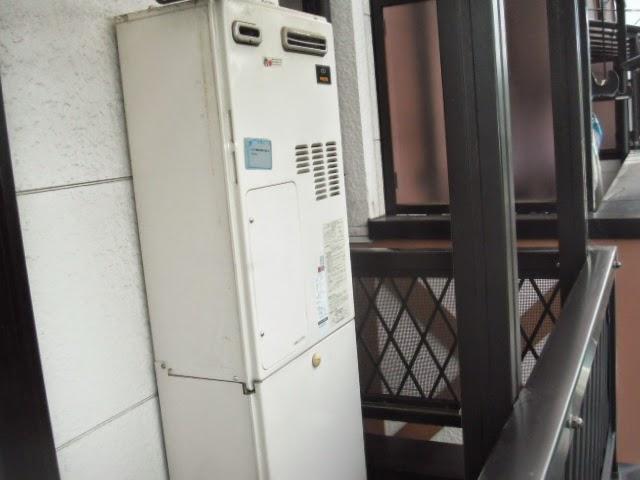 兵庫県 伊丹市 戸建て住宅 ノーリツ 24号 ガスふろ給湯器 エコジョーズ セミオート 屋外壁掛け型 取替交換工事 施工
