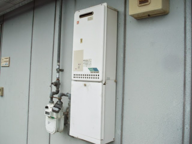 兵庫県 宝塚市 ハイツ ノーリツ 16号 ガス給湯器 屋外壁掛け型 取替交換工事 施工