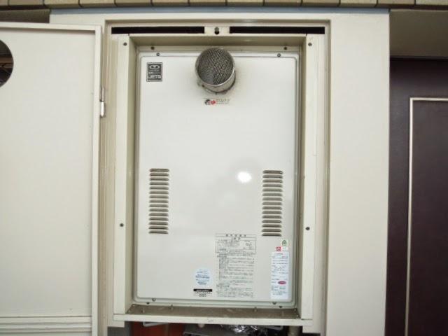 大阪府 大東市 マンション ハーマン 24号 ガス温水暖房付き給湯器 高温水供給方式 PS扉内設置 前方排気 取替交換工事 施工