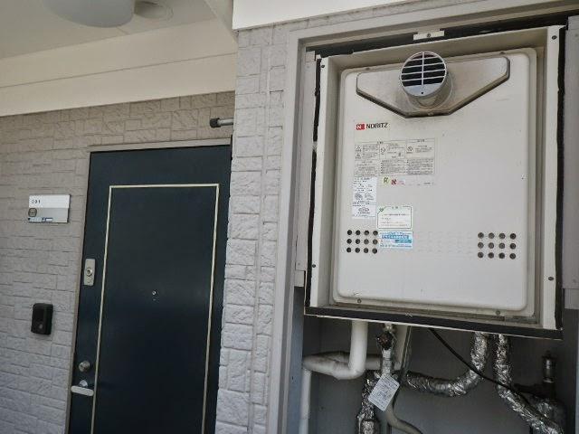 兵庫県 川西市 マンション ノーリツ 20号 ガス追焚き付き給湯器 メーターボックス内設置 前方排気 取替交換工事施工