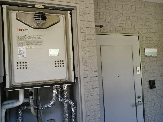 兵庫県 川西市 マンション ノーリツ 20号 ガスふろ給湯器 セミオート PS扉内設置 前方排気 取替交換工事施工