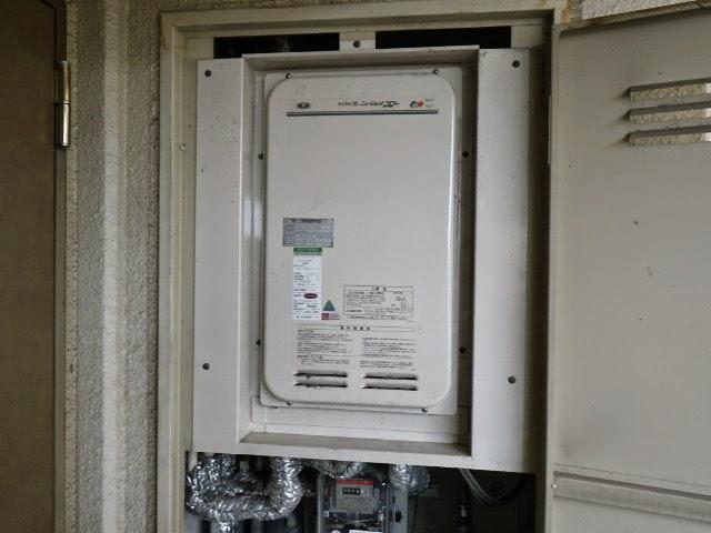 兵庫県 伊丹市 マンション ノーリツ ガス給湯器 高温水供給方式 PS扉内設置 後方排気 取替交換工事施工