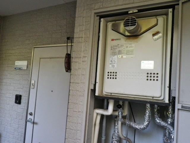 兵庫県 川西市 マンション ノーリツ 20号 ガスふろ給湯器 セミオート PS扉内設置 前方排気 取替交換工事 施工