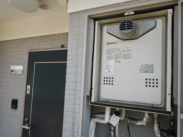 兵庫県 川西市 マンション ノーリツ ガスふろ給湯器 20号 PS扉内設置 前方排気 セミオート 取替交換工事施工