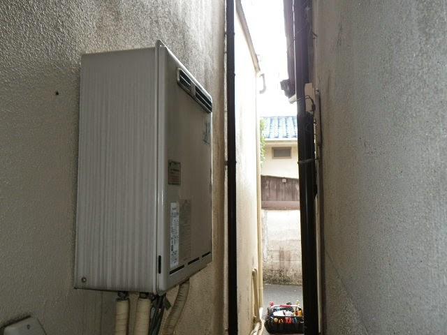 兵庫県 伊丹市 戸建て住宅 リンナイ ガス風呂給湯器 屋外壁掛型 20号 セミオート 取替交換工事 施工