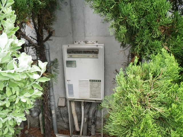 兵庫県 尼崎市 戸建て住宅 ノーリツ 24号 ガス給湯器 高温水供給方式 屋外壁掛型 取替交換工事施工