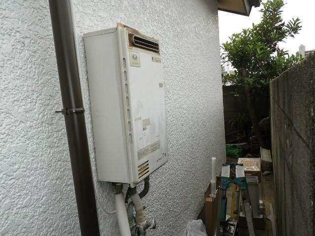兵庫県 伊丹市 戸建て住宅 ノーリツ 24号 ガス給湯器 屋外壁掛型 取替交換工事施工