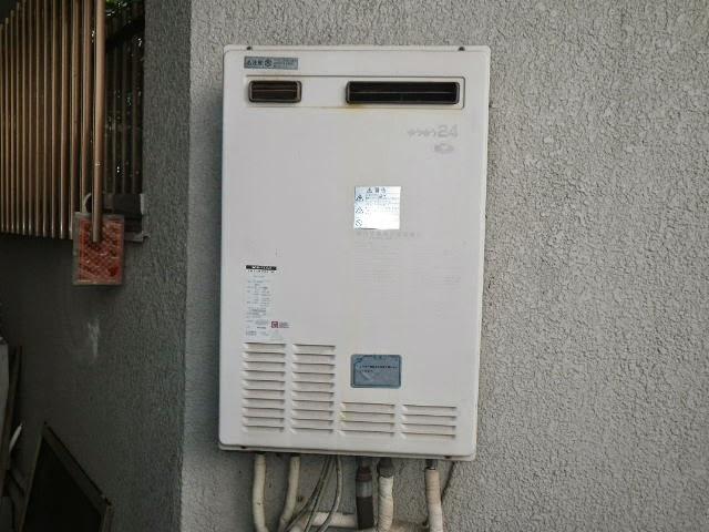 兵庫県 西宮市 戸建て住宅 ノーリツ 24号 エコジョーズ ガス風呂給湯器 屋外壁掛型 セミオート 取替交換工事施工