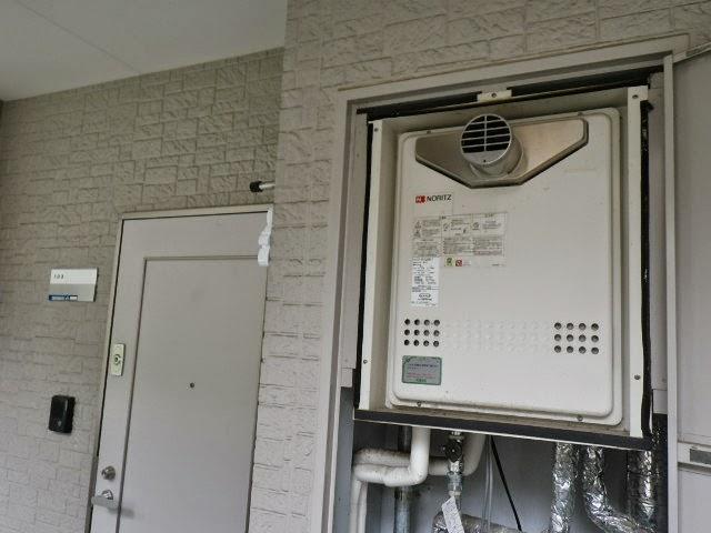 兵庫県 川西市 マンション ノーリツ 20号 ガスふろ給湯器 PS扉内設置 前方排気 セミオート 取替交換工事施工