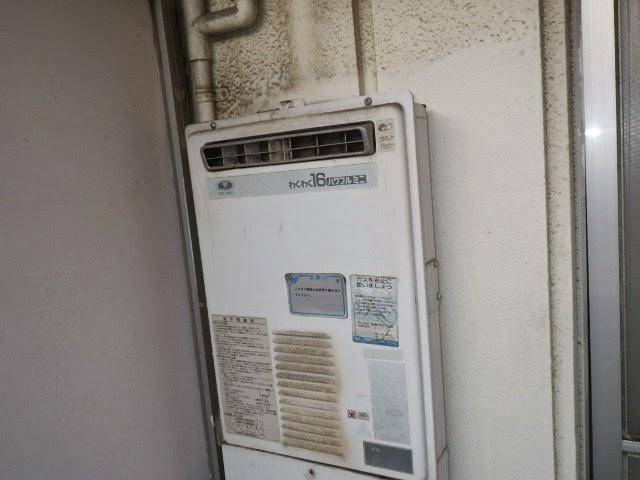 兵庫県神戸市東灘区 マンション ノーリツ 16号 ガス給湯器 屋外壁掛型 取替交換工事施工