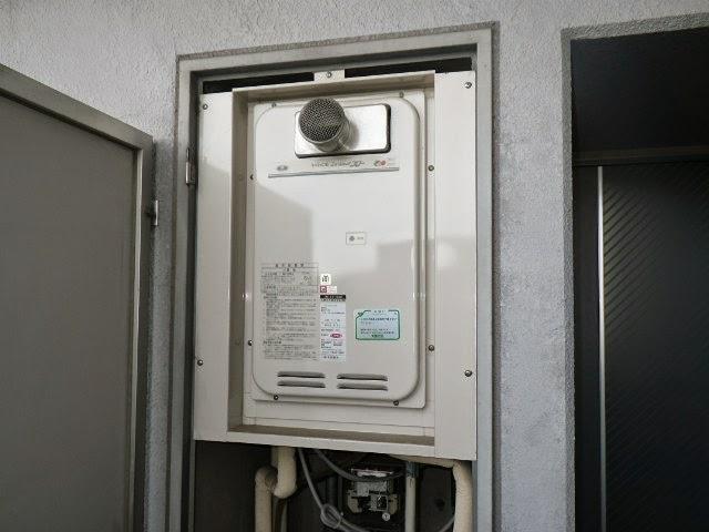 兵庫県 尼崎市 マンション ノーリツ 16号 ガス給湯器 高温水供給方式 PS扉内設置 前方排気 取替交換工事 施工