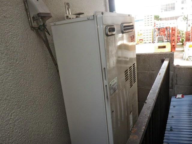 兵庫県 尼崎市 戸建て住宅 ノーリツ 24号 ガス風呂給湯器 屋外壁掛型 セミオート 取替交換工事施工
