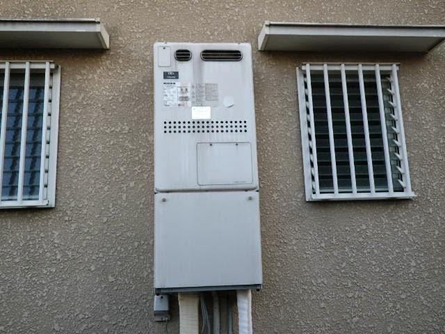 兵庫県 尼崎市 戸建て住宅 ノーリツ 24号 エコジョーズ ガス温水暖房付きふろ給湯器 屋外壁掛型 セミオート 取替交換工事施工