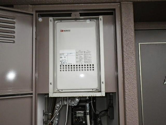 兵庫県 尼崎市 マンション ノーリツ 24号 ガス給湯器 高温水供給方式 PS扉内設置型 後方排気 取替交換工事施工