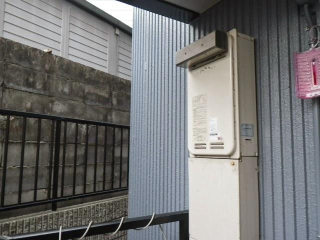 大阪府 大阪市 東淀川区 マンション ノーリツ 16号 ガス給湯器 高温水供給方式 屋外設置型 取替交換工事施工