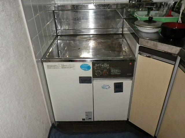 兵庫県 尼崎市 マンション ノーリツ 16号 屋内設置コンロ台形 ガス給湯器 強制給排気 取替交換工事施工