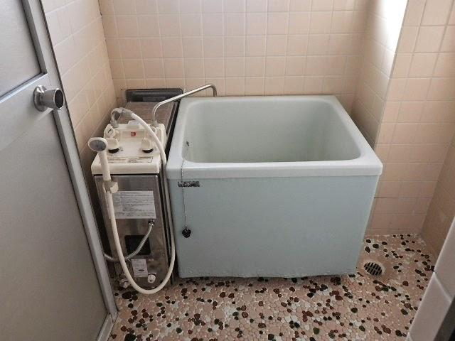兵庫県 西宮市 マンション ハウステック 8.5号 ガスふろ給湯器 フルオート カベピタ パックイン 1100浴槽 取替交換工事施工
