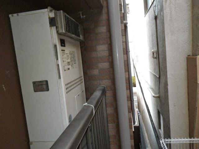 兵庫県 神戸市 中央区 マンション ノーリツ ガス温水暖房付きふろ給湯器 エコジョーズ フルオート ベランダ設置型 取替交換工事施工