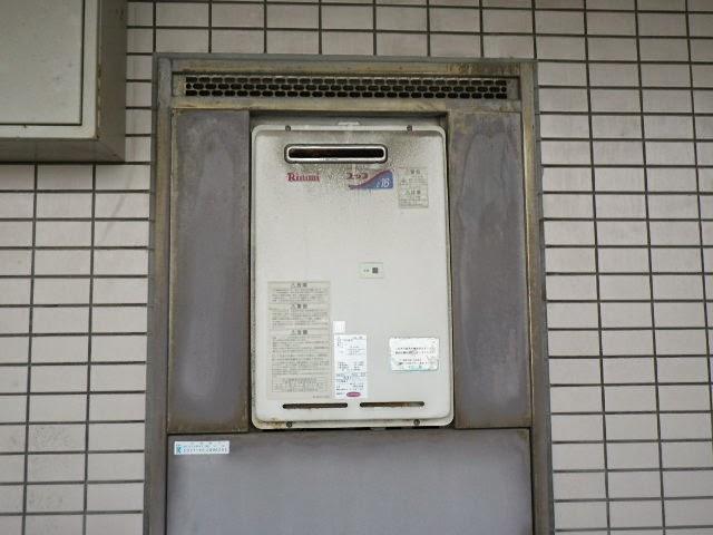 兵庫県 伊丹市 マンション リンナイ 16号 ガス給湯器 PS標準設置型 取替交換工事施工