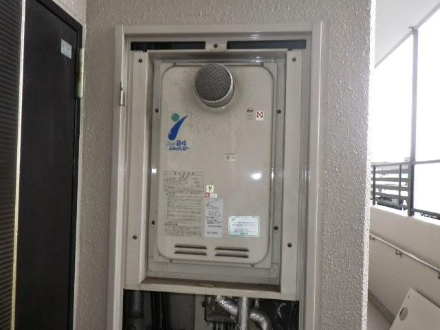 兵庫県 神戸市 西区 マンション ノーリツ 24号 ガス給湯器 高温水供給方式 PS扉内設置 取替交換工事施工