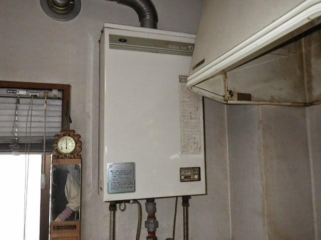 兵庫県 尼崎市 マンション ノーリツ 16号 ガス給湯器 屋内設置 強制排気型 取替交換工事施工