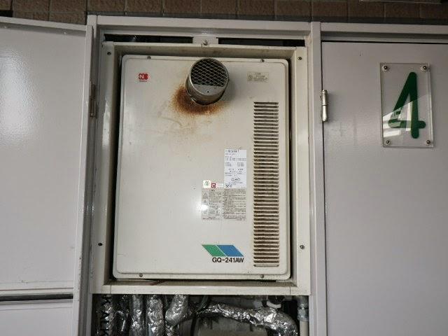 兵庫県 西宮市 マンション ノーリツ 24号 ガス給湯器 高温水供給方式 PS扉内設置 前方排気 取替交換工事施工