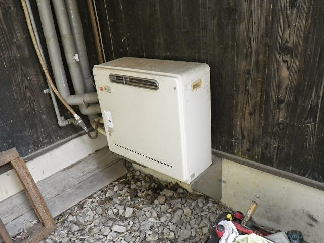 兵庫県 三田市 戸建て住宅 ノーリツ 24号 ガスふろ給湯器 屋外据え置き型 セミオート 取替交換工事施工