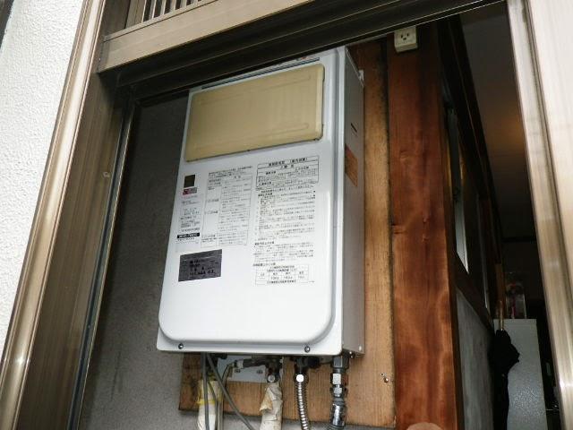 兵庫県 伊丹市 戸建て住宅 ノーリツ 16号 ガス給湯器 屋内設置型 強制排気 取替交換工事施工