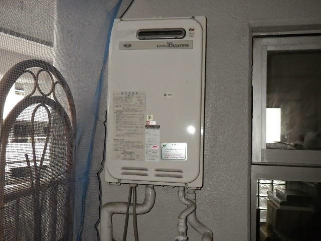 兵庫県 伊丹市 マンション ノーリツ 16号 ガス給湯器 屋外壁掛型 取替交換工事施工