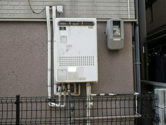 兵庫県 神戸市 東灘区 戸建て住宅 リンナイ ガス風呂給湯器 エコジョーズ 24号 屋外壁掛型 セミオート 取替交換工事施工