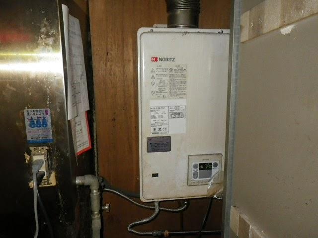 兵庫県 神戸市 中央区 店舗 ノーリツ 16号 ガス給湯器 屋内設置型 強制給排気 取替交換工事施工