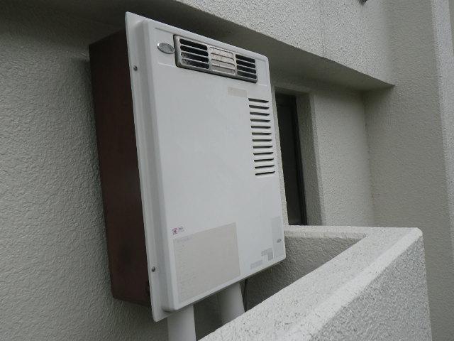 兵庫県 尼崎市 東難波町 マンション ノーリツ 16号 ガス給湯器 屋外壁掛型 取替交換工事施工