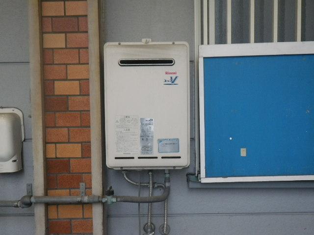 大阪府 大阪市西成区 千本北 店舗 ノーリツ 24号 ガス給湯器 屋外設置 取替交換工事施工